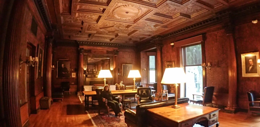 An Afternoon at the Algonquin Club in Boston