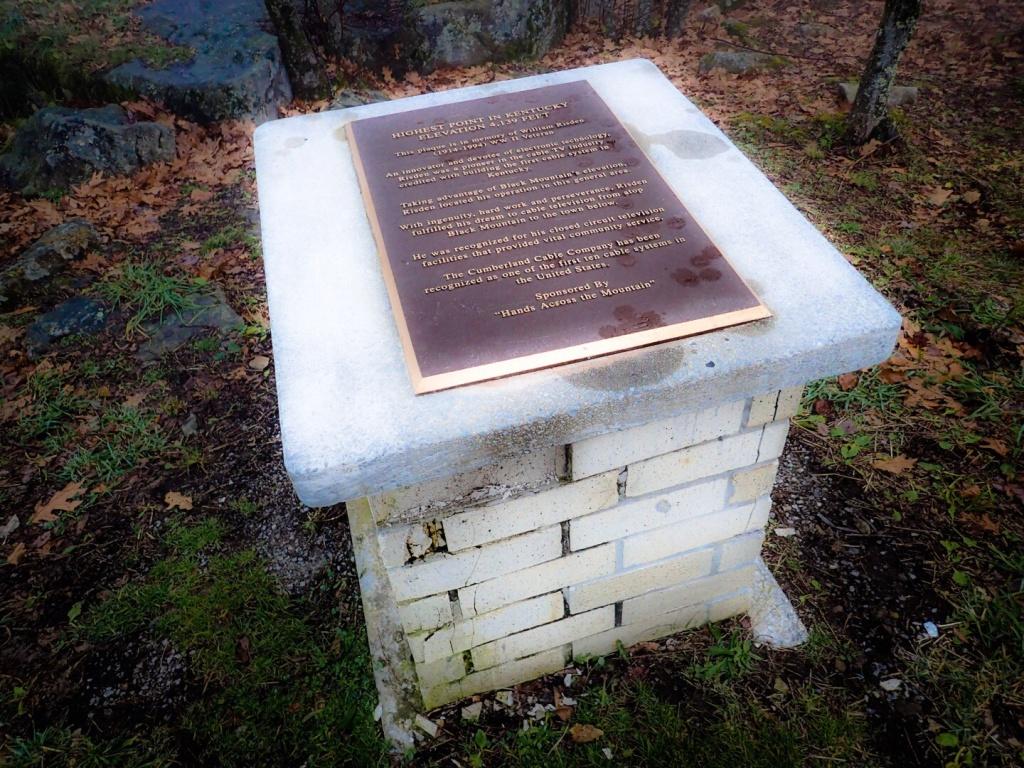 Black Mountain, Kentucky Monument
