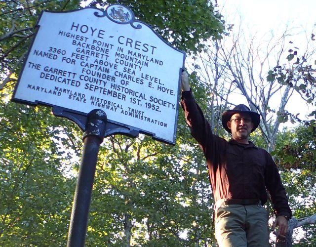 The Hoye Crest Summit Marker